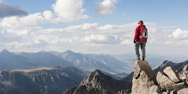 El éxito es acabar la formación online, como para un alpinista alcanzar la cumbre